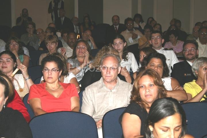 2007-07-13-NewarkPremiere31-TheaterCrowd2(72)