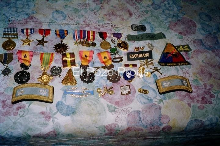 2000-04-13-PRShoot-03-AngelEscribano-Medals