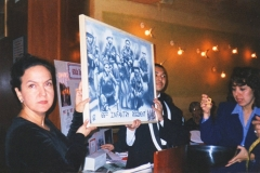 1999-10-03-NYBenefit-04-Painting(DeLaRosa)-72
