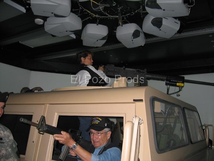 2007-11-16-TX-Screenings48- Tour-72